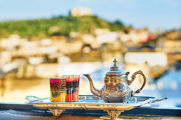 Verre de thé grand sud Maroc circuit désert Amoodo